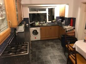 Good Size Rooms to Rent in Exeter by St Davids Station. £100 all Bills incl Short/Long term