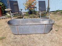Galvanised tin bath