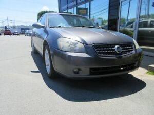 2005 Nissan Altima 3.5 SE V6 W/ LEATHER, ROOF & ALLOYS