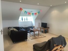 Watford room to rent, 500pcm. Close to town centre and Watford high Street station