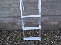 THREE STEP BOAT BOARDING LADDER IN NEW CONDITION USED ONCE