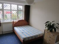 Large double room in Greenford (borough of Ealing)