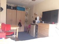 Single and double rooms near Surrey Quays and new cross