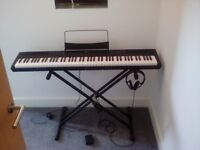 SDP-2 Stage Piano Gear4music incl. Stand, Pedal and Headphones