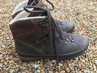 Men's Meindl Bhutan MFS Boots Size 9.5