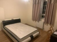 XL DOUBLE ROOM IN ALDGATE FOR £785PM. (BILLS INCLUDED)