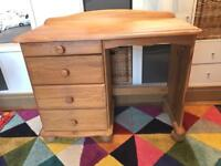 Dressing table in solid pine