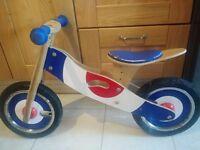 KidzMotion Jiggy wooden balance bike