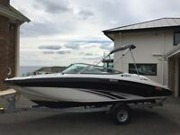 2015 YAMAHA SX190 JET BOAT 19ft Bowrider Sports speed watersports wakeboard ski boat only 32hrs