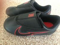Nike Kids Velcro Vapor Football Boots Size 11
