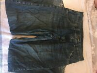 2 PAIRS OF MENS JEANS! Same style!