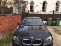 BMW 320D -2010 -VERY CLEAN BLACK Diesel with 12mths MOT -4 Door -NAV System -BLUE Tooth -4 New Tyres