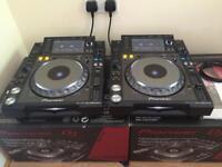 PIONEER CDJ 2000 NEXUS PAIR BOXED MINT DJM XDJ