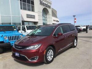 2017 Chrysler Pacifica Touring-L, Navi, Bluetooth, Leather, Cam