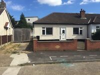 LARGE BUNGALOW WITH GARAGE AND CAR SPACE RAINHAM RM13 8PJ