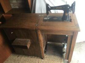 Singer Treadle Sewing Machine circa 1906