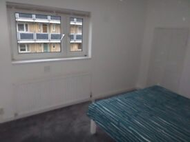 BIG DOUBLE ROOM SINGLE USE-MINUTES AWAY FROM LIVERPOOL/BETHNAL GREEN