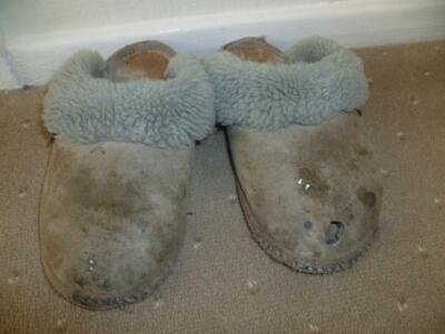 Just Sheepskin Ladies USED Grey Slippers Size 5/6