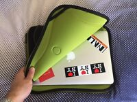 "As Good As New - Crumpler The Gimp Notebook Macbook Pro Sleeve Carry Case 14"" Inch - £9"