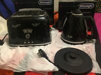 Delonghi kettle & toaster *Great Condition*