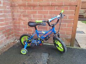 Boys Alien Bike With Stabilisers