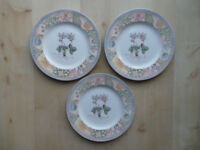 "WEDGWOOD HOME GARDEN MAZE 10.75"" DINNER PLATES X3, BOWLS & SIDE PLATES"