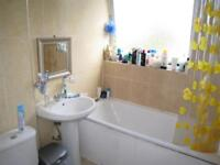 5 bedroom flat in Breasley Close, Putney, SW1