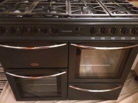 Lovely Belling Countrychef 100cm 8 Burner Range cooker
