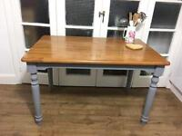 LOVELY SHABBY CHIC DINNING /KITCHEN TABLE FREE DELIVERY