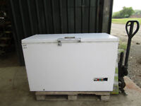HOTPOINT CHEST FREEZER - SECOND HAND - GREAT CONDITION