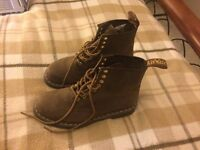 Dr Martens Boots sz8 WORN ONCE CURRENT STYLE