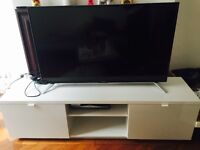 Free TV Stand / Like New / White High Gloss TV Stand / TV Bench