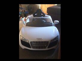 Audi R8 spyder kids electric car (£75) 07451054192