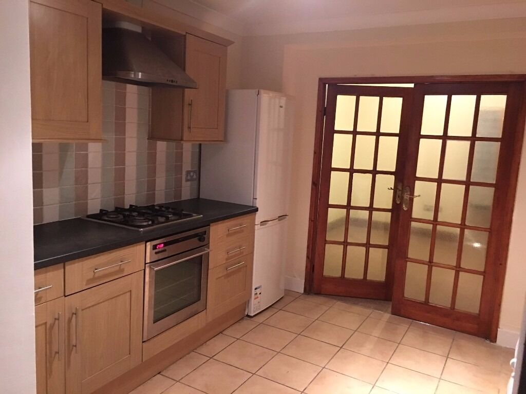 1 Bedroom Ground Floor Flat to Let on Windsor Road Ilford IG1 1HE