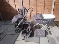 Mamas and Papas Primo Viaggio travel system. Includes carseat, pushchair, carrycot with matress/pram
