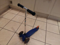 Micro 3-wheel tilt and turn Scooter for kids - blue