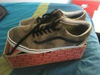 New Vans Old Skool Trainers Size UK 10