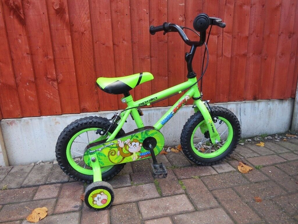 "GREAT BOYS 12"" WHEEL BIKE COMPLETE WITH STABLISERS. APOLLO MARVIN MONKEY GREAT CONDITION, WORKING,"