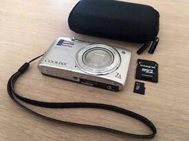 Nikon COOLPIX S3500 20.1MP Digital Camera :: Silver :: Mint Condition