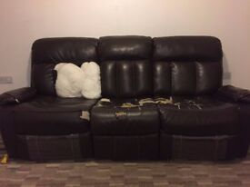 ***Sale*** Manual recliner (3+2) Sofa