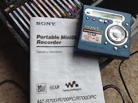 Sony MZ-R700 Portable MiniDisc Recorder with 100 mini discs.