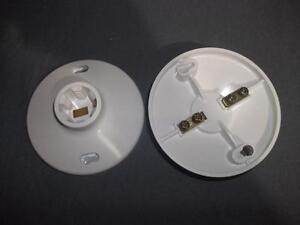 Lot of 2 Eagle White Plastic Keyless Lampholders #1174L (660W-250V)