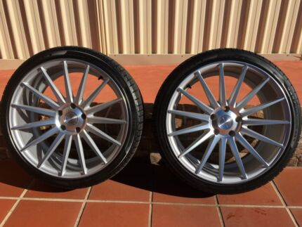 2 x Stance Mags & Pirelli Tyres