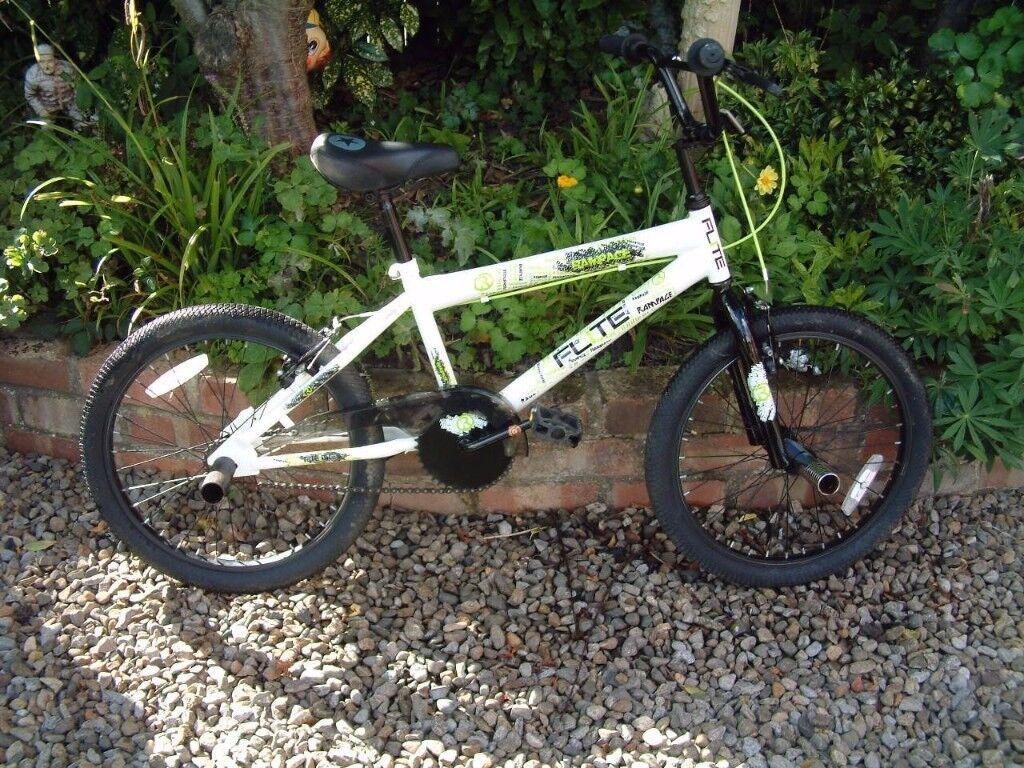 FLITE RAMPAGE BMX BIKE STUNT KIDS CYCLE CHILD'S UNISEX