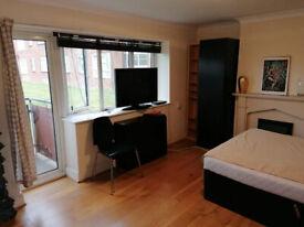 Spacious double room - stanza doppia