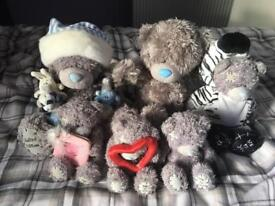 Bundle of tatty teddies.