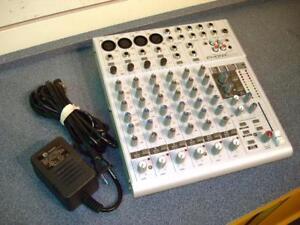 PHONIC -- CONSOLE DE MIXAGE 12 ENTRÉES + EFFET -- 759122