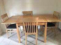 Maple wood Breakfast table with 4 chairs