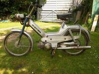 PUCH MAXI 1975 (P)reg restoration project runs V5 present