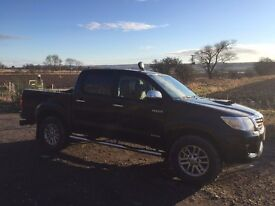 Toyota Hilux, Twin Cab Invincible 3 litre, Good condition, full service history, Mud Terrain Tyres